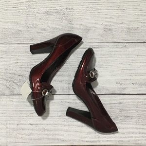 NWT BCBGirls Mallorini Ruby Red  heels SZ 38/8